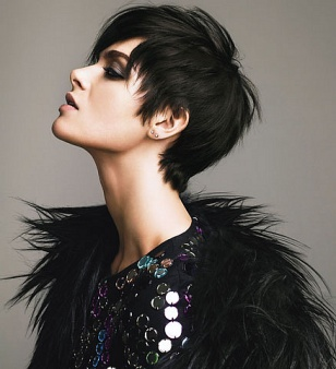 top short hairstyles for thick hair
